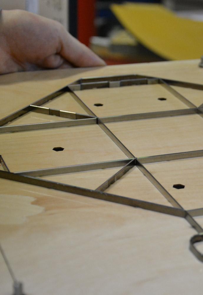 Formes de découpe packaging, formes de découpe fabrication, formes de découpe emballage, formes pour étiquettes, formes de découpe carton et cartonnage, fabrication de formes de découpe.