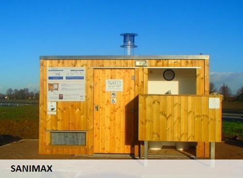 Construction de toilettes sèches, usinage bois par Serviformes.